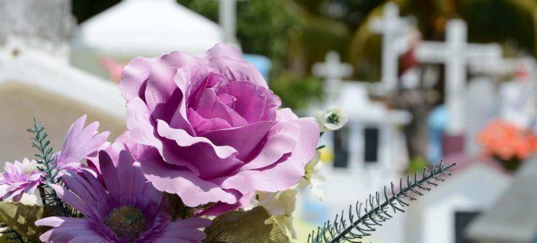 Czym kierować się wybierając zakład pogrzebowy?